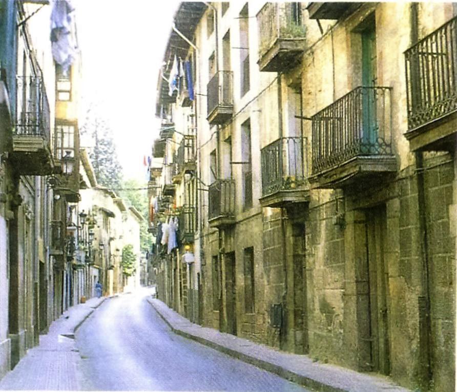 Calle de En medio. Balmaseda
